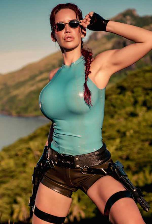 Cosplay-Lara-Croft-37