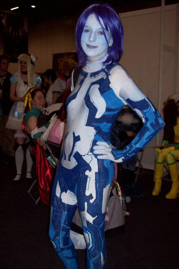 Cosplay-Cortana-Halo-6