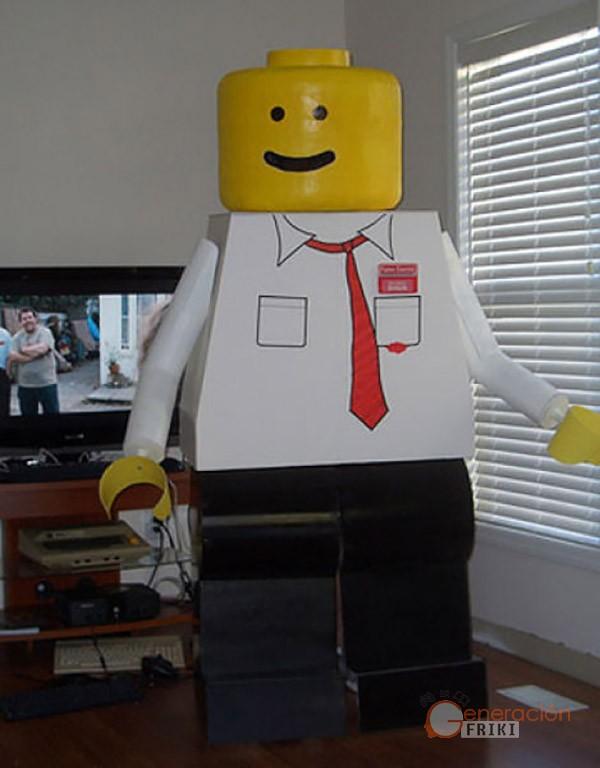 25 Disfraz-muñeco-Lego