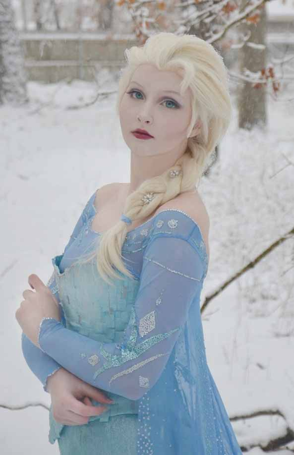 1-Cosplay-Elsa-Frozen