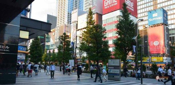 generacion-friki-en-japon-akihabara-fachadas-2