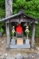 generacion-friki-en-japon-jizos-de-piedra-nikko