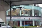 Generacion-Friki-En-Japon-coches-Roppongi-Shiotome-concesionario-1