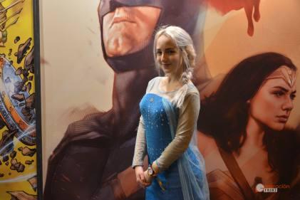 32-Cosplay-Heroes-Comic-con-2017-Elsa-(Frozen)