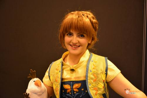 63-Cosplay-Heroes-Comic-con-2017-Anna-(Frozen)
