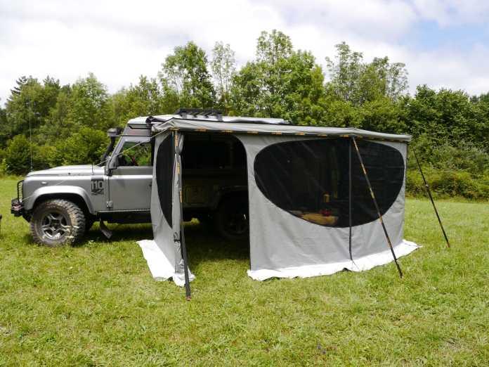 Store Falcon James Baroud Du parasol à la tente-salon du bivouac