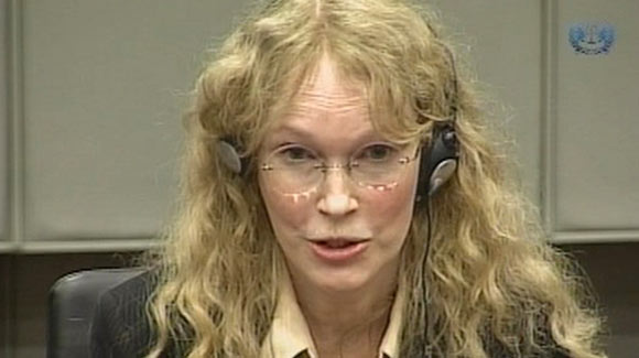Mia Farrow in court <font size=-2>(Source: LA Times)</font>