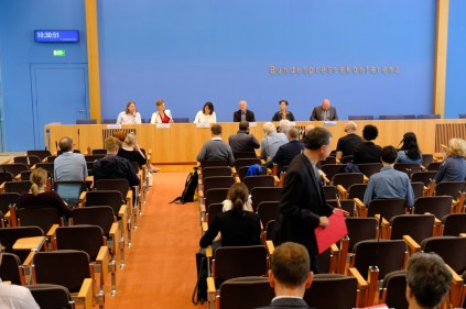 Vorstellung des Generationen Manifest in der Bundespressekonferenz
