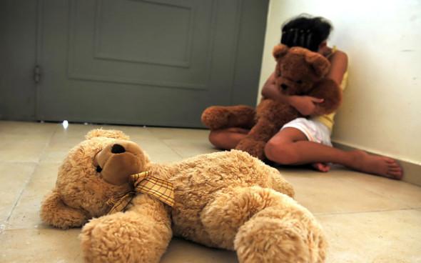 C95JEN-child-abuse_3027896b