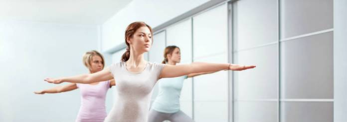 Prova una lezione di yoga per riscaldarti questo inverno