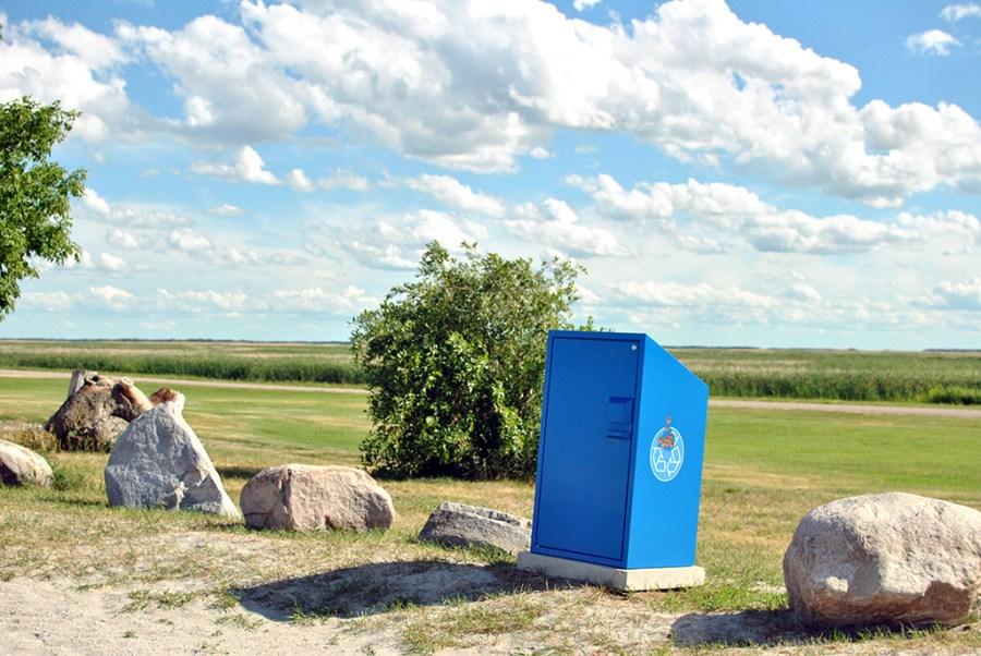 Generic-Van-Life-Camping-Spot-Hollywood-Beach-Manitoba-Recycle