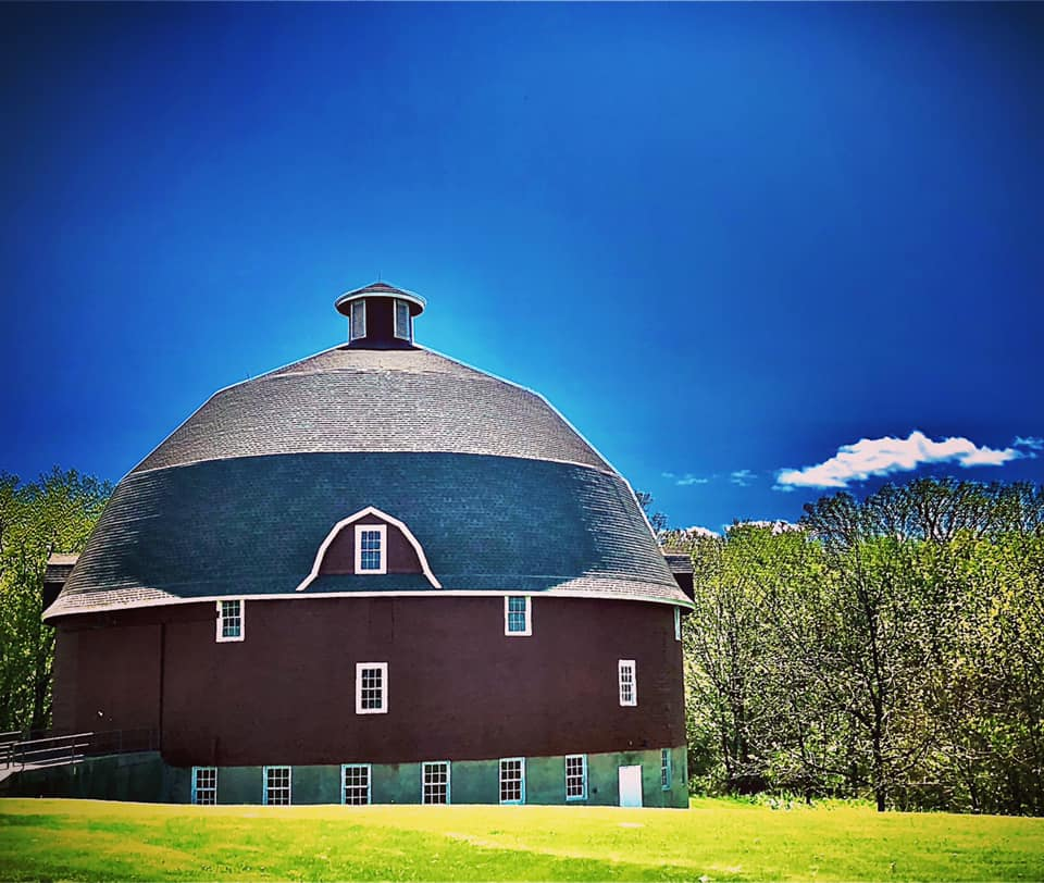 Ryan's Round Barn. Western Illinois. 8 May 20.