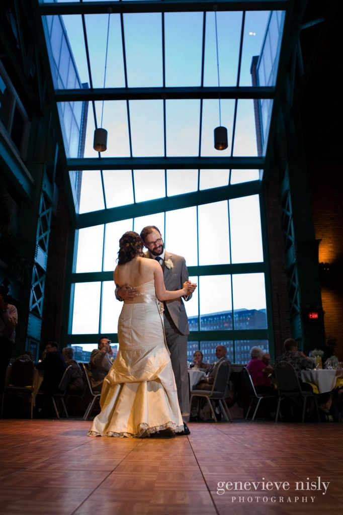 erin-dave-035-windows-on-the-river-cleveland-wedding-photographer-genevieve-nisly-photography