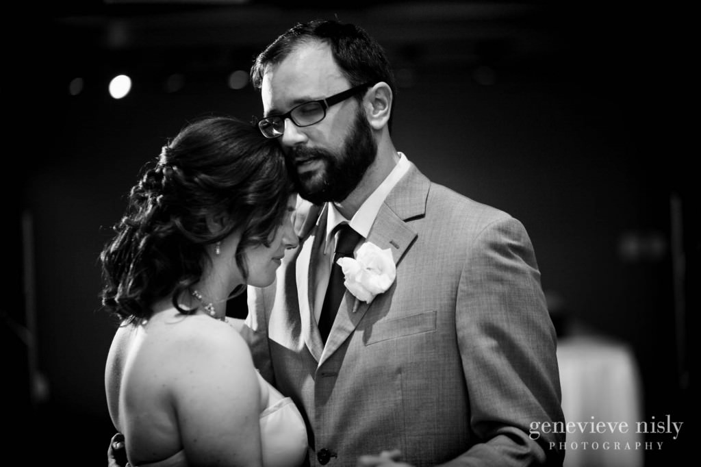 erin-dave-036-windows-on-the-river-cleveland-wedding-photographer-genevieve-nisly-photography