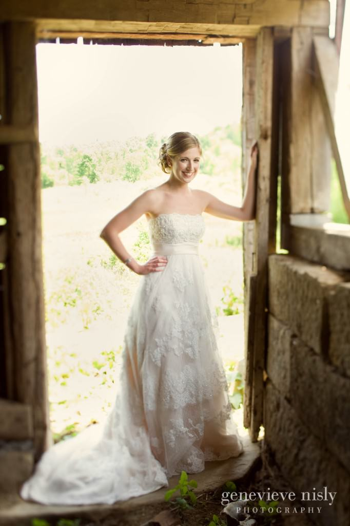 Akron, Conrad Botzum Farmstead, Copyright Genevieve Nisly Photography, Ohio, Summer, Wedding