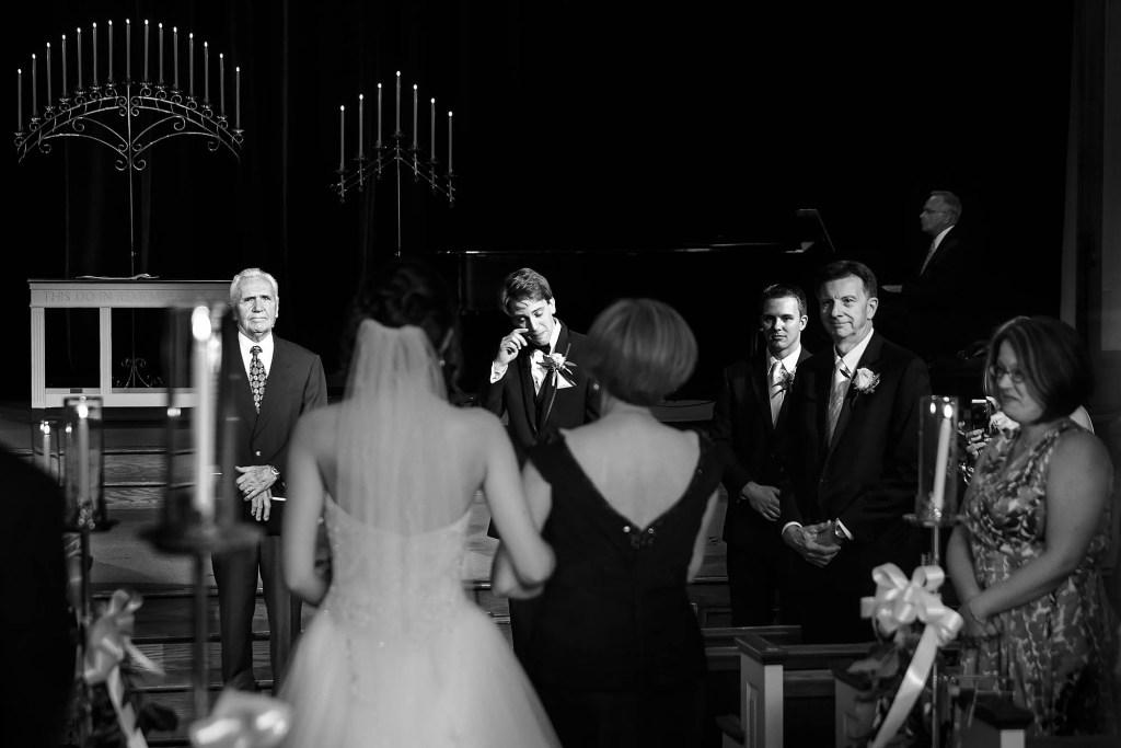 006-hudson-cleveland-wedding-photographer-genevieve-nisly-photography