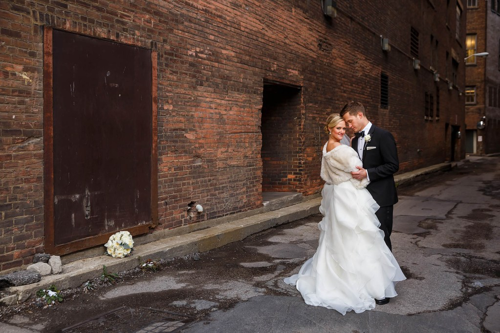 022-east-fourth-cleveland-wedding-photographer-genevieve-nisly-photography