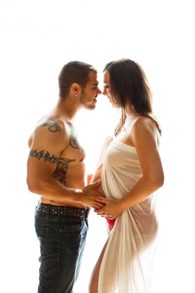 maternity-021-cleveland-akron-portrait-photographer-genevieve-nisly-photography