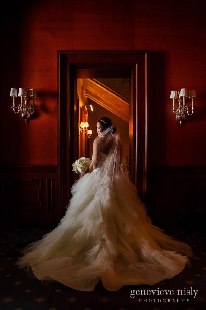 Sharon-Brian-028-Union-Club-cleveland-wedding-photographer-genevievve-nisly-photography