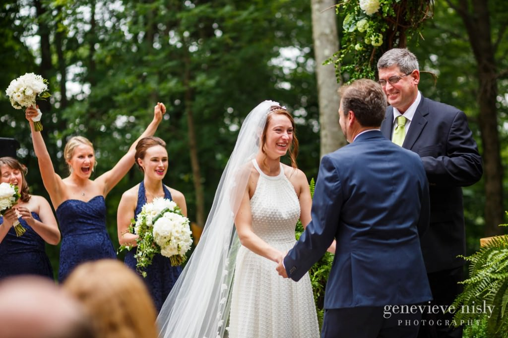 emily-cory-010-grand-barn-mohicans-wedding-photographer-genevieve-nisly-photography