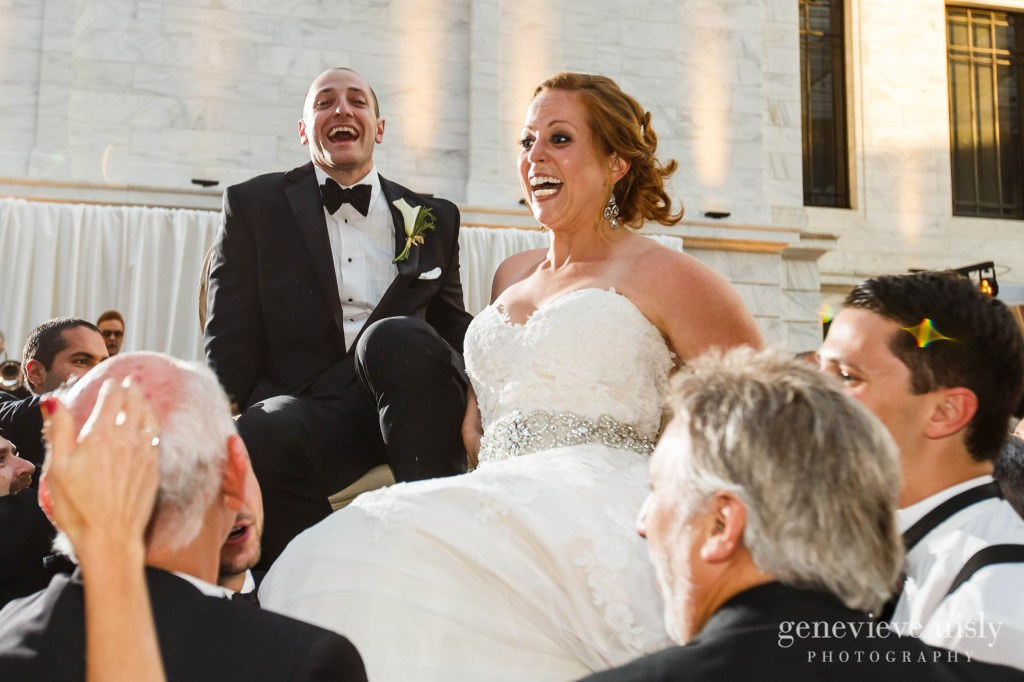 steven-beth-040-museum-of-art-cleveland-wedding-photographer-genevieve-nisly-photography