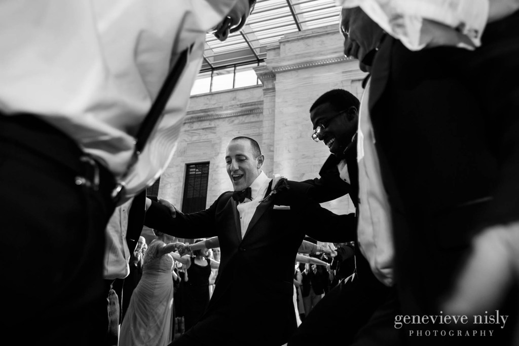 steven-beth-042-museum-of-art-cleveland-wedding-photographer-genevieve-nisly-photography