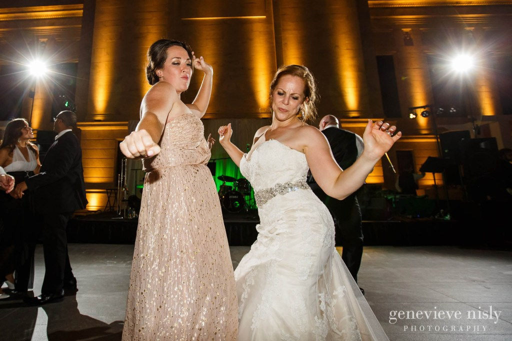 steven-beth-048-museum-of-art-cleveland-wedding-photographer-genevieve-nisly-photography