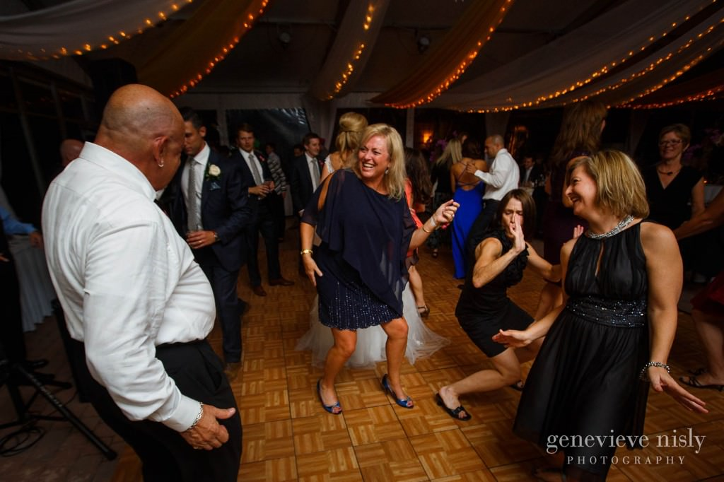 Copyright Genevieve Nisly Photography, Shoreby Club, Wedding