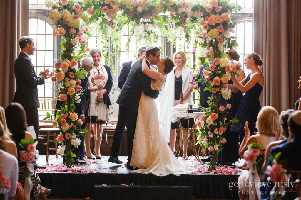 Summer, Copyright Genevieve Nisly Photography, Wedding, Ohio, Cleveland, Tudor Arms Hotel