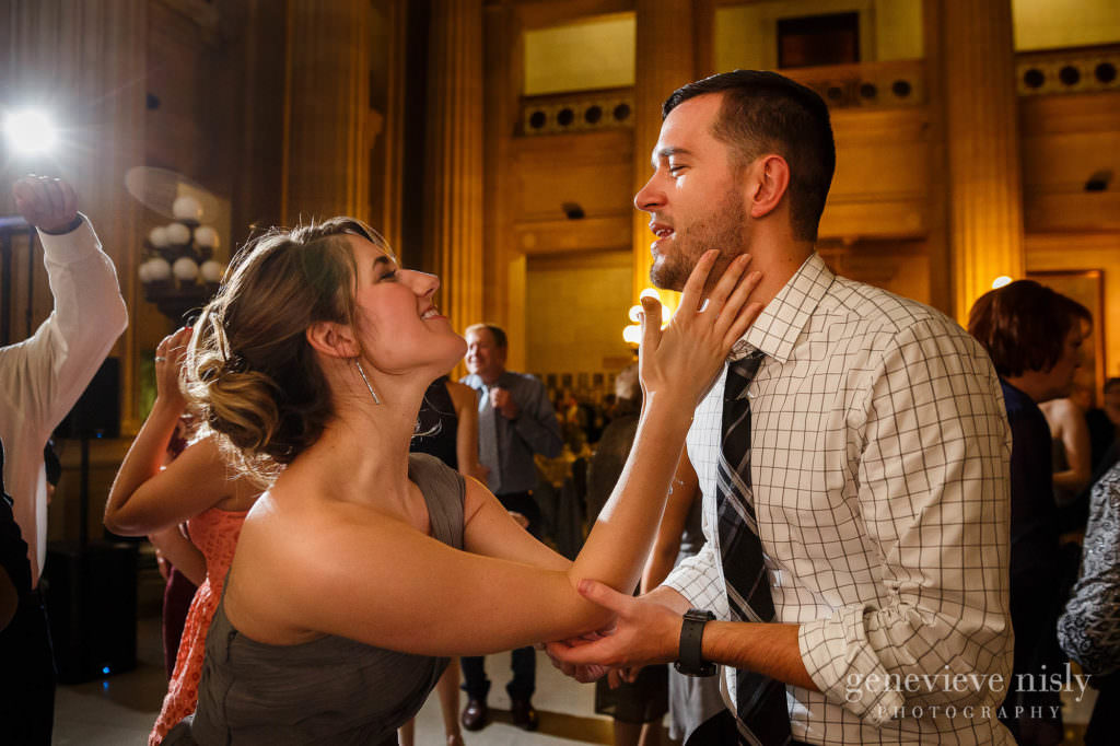 lauren-craig-051-city-hall-rotunda-cleveland-wedding-photographer-genevieve-nisly-photography