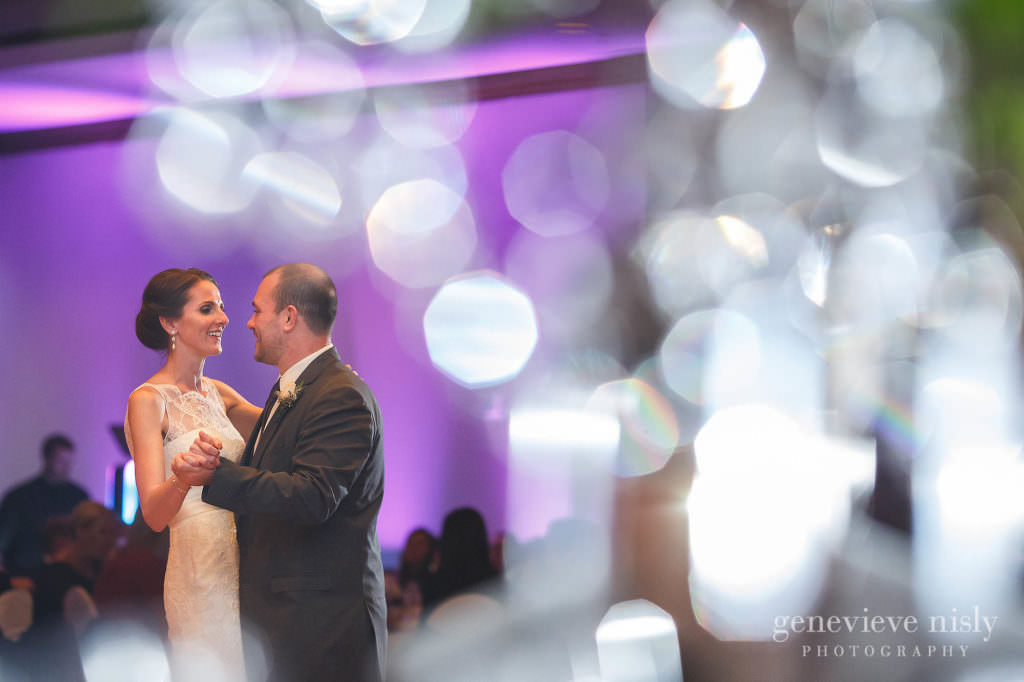 Category, Wedding, Seasons, Fall, Copyright Genevieve Nisly Photography, Venues, Ohio, Cleveland, Embassy Suites