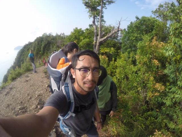 Tips Hiking Bersama Anak Kecil. Lelaki Ini Kongsikan Apa Keperluan Yang Perlu Ada 3