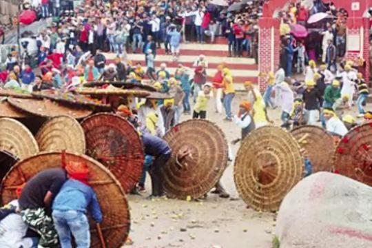 Sambutan Festival Baling Batu Di India Undang Padah 7