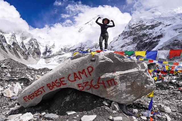 Daki Everest Base Camp Secara Solo. Wanita Ini Kongsikan Ianya Boleh! 1