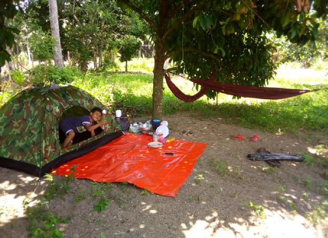 [Foto] Tepu Duduk Di Rumah, Rakyat Malaysia Bercamping Dalam Rumah Hiburkan Hati 2