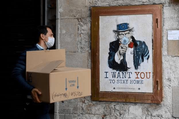 [Foto] Hebah Kesedaran Bahayanya COVID-19 Melalui Graffiti 16