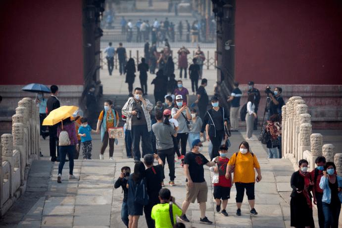 Jutaan Rakyat China Sakan Melancong Dalam Negara Sempena Cuti Umum 3