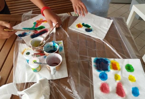 Gioco per insegnare i colori ai bambini | Genitorialmente