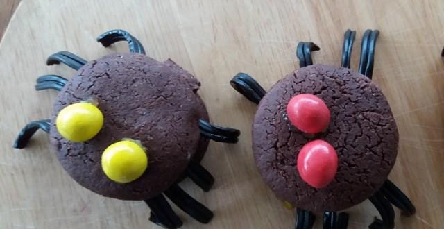 Biscotti di Halloween facili da fare al cioccolato | Genitorialmente