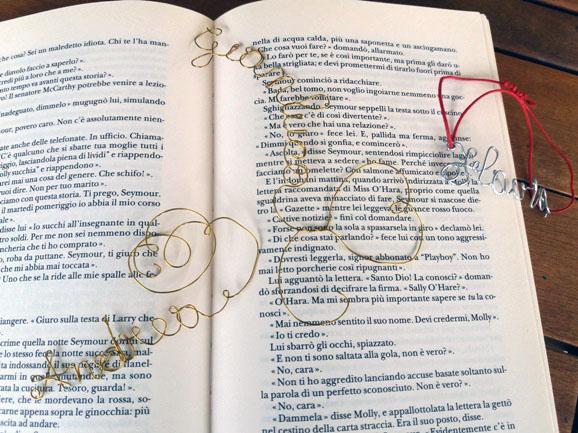 Scritte con filo di ferro: bracciali e segnalibro regalo | Genitorialmente