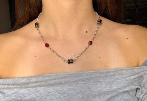 Collana fai da te originale con ematite e perle | Genitorialmente
