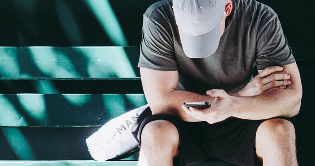 social media selling on mobile