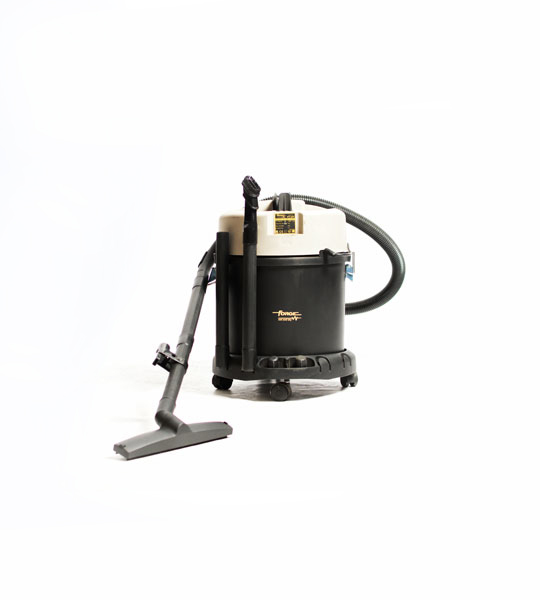 Vacuum cleaner 10 Litre -wet and dry