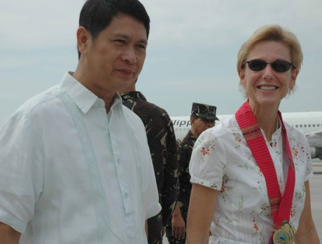 GENSAN MAYOR JUN ACHARON AND AMBASSADOR KENNEY EARLIER AT THE GENSAN AIRPORT UPON THE LATTER'S ARRIVAL