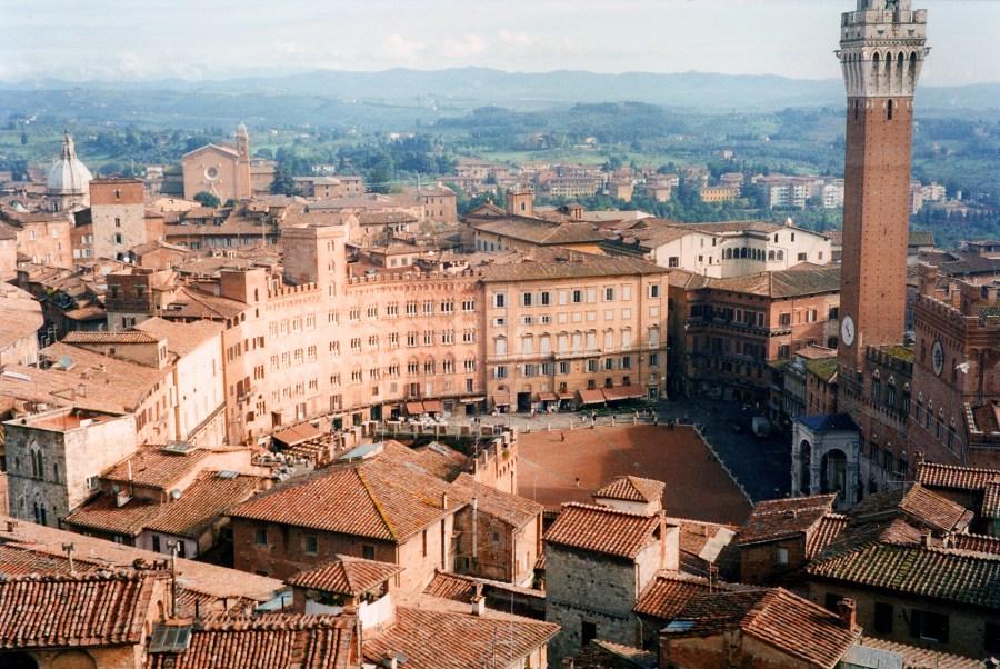 Piazza del Campo, Siena. Foto © Phillip Capper.