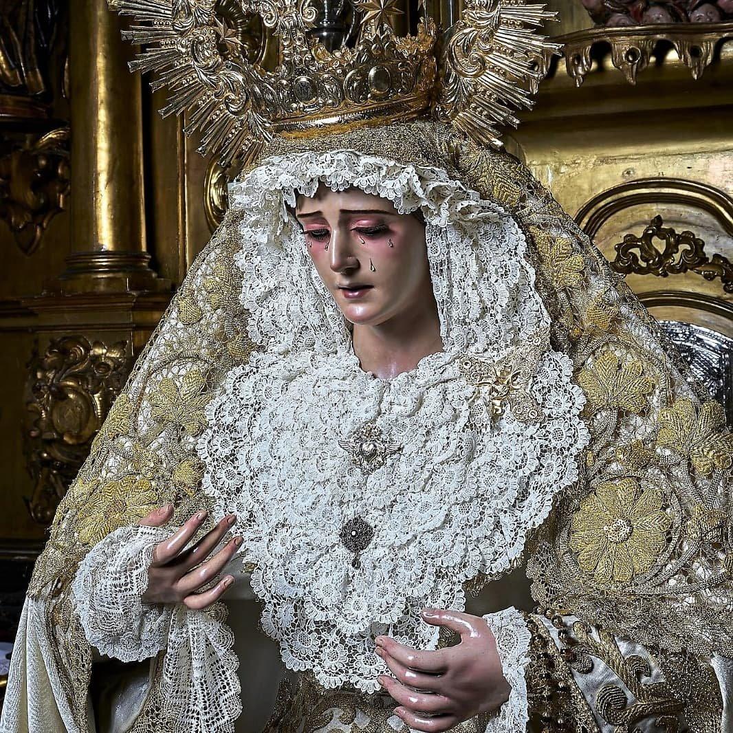 La Madre de los Desamparados ha sido repuesta al culto