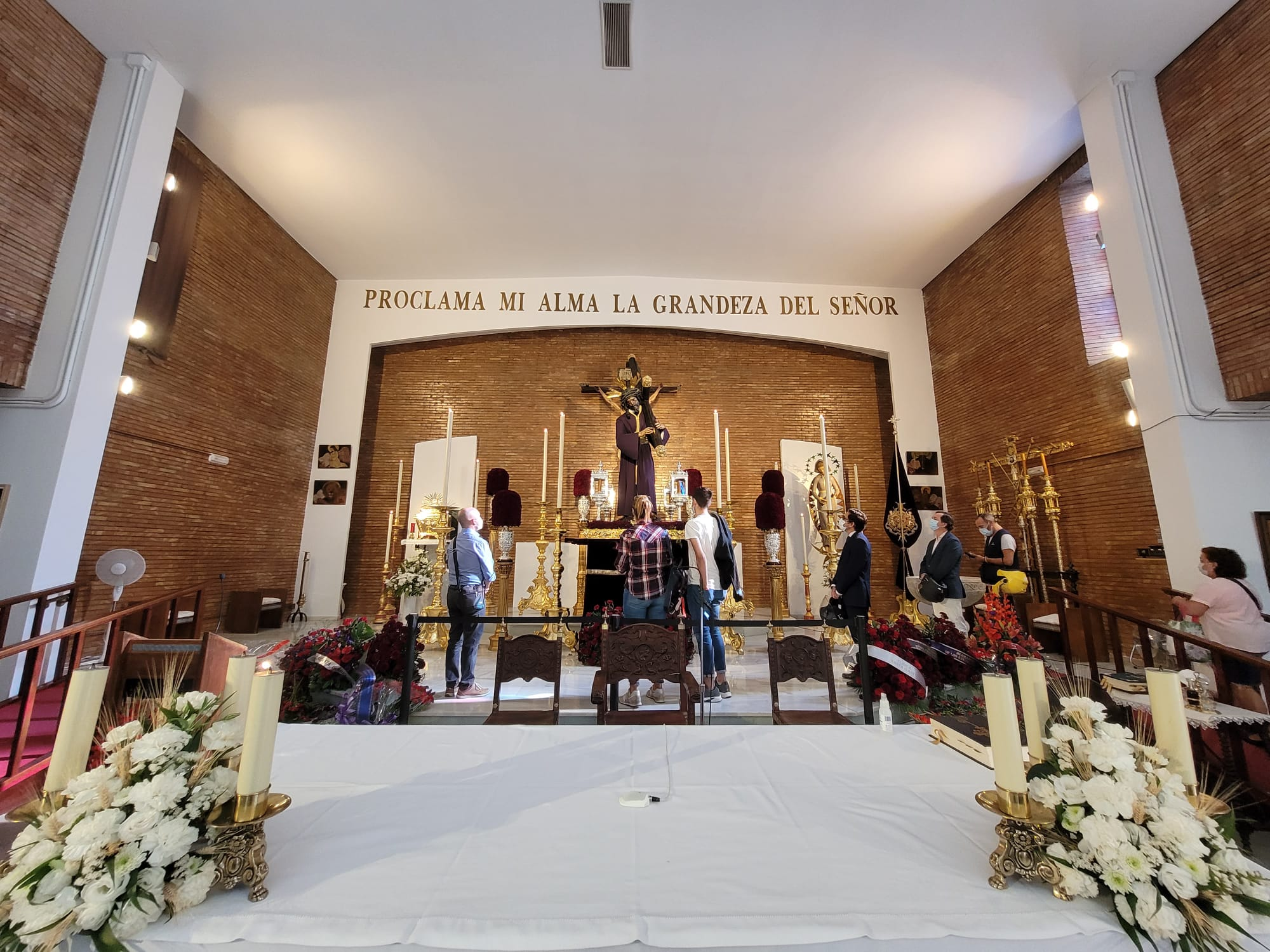 Las estampas del Señor en la Parroquia de la Blanca Paloma