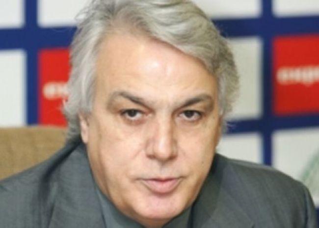 Μητρόπουλος: «Συνεχίζονται τα χατιράκια του Πιλάβιου!»