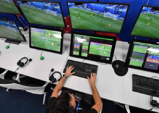 Οι διαιτητές της Super League θα… προπονηθούν για το VAR
