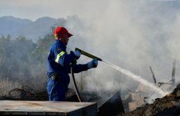 Μάχη με πυρκαγιά σε σκουπίδια στο εκθεσιακό Αρκαλοχωρίου
